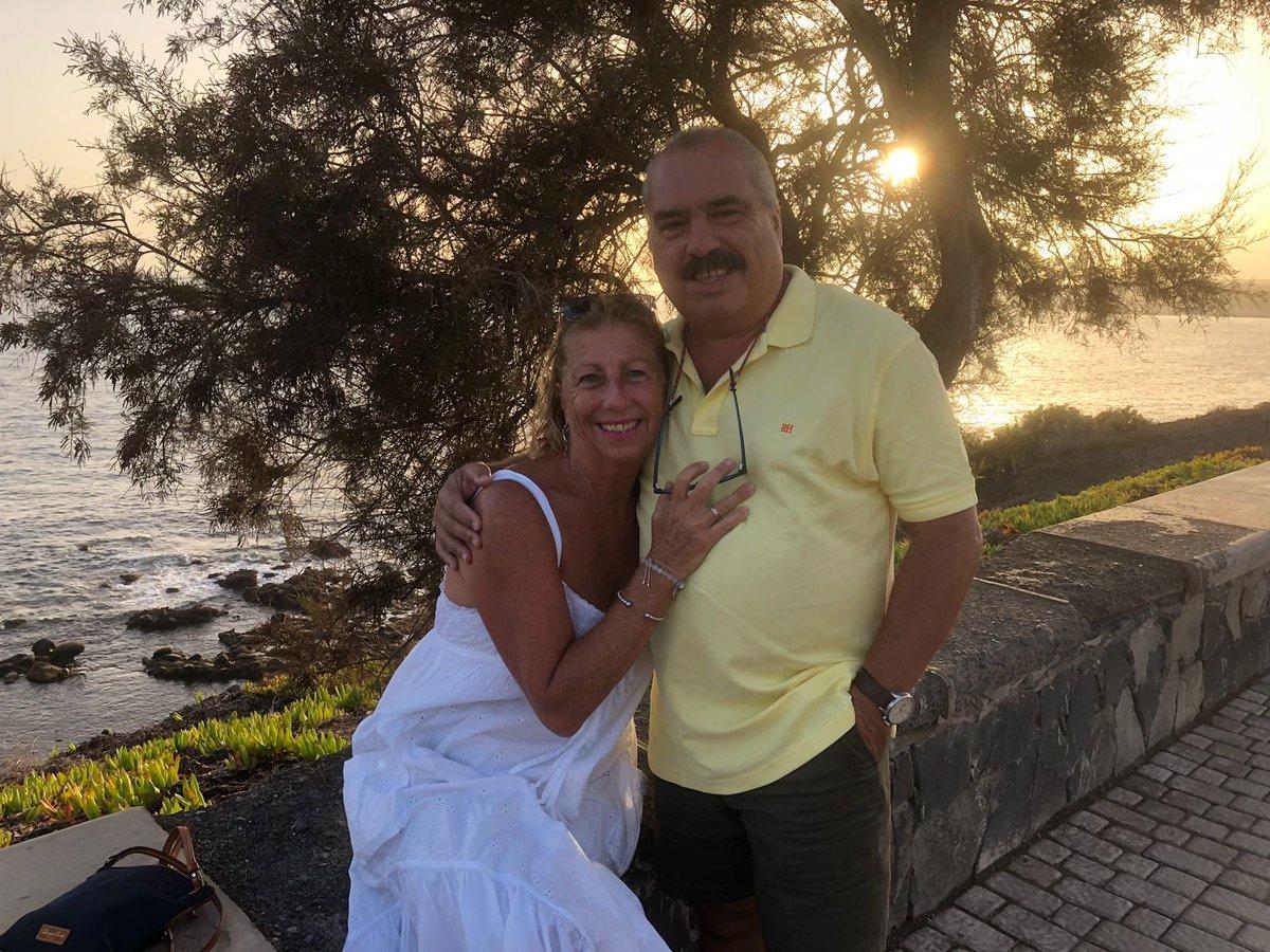 ¡ 40 años de casados !   Muchas felicidades y que viva el amor muchos años más ❤️ https://t.co/pILIg5ZVRr