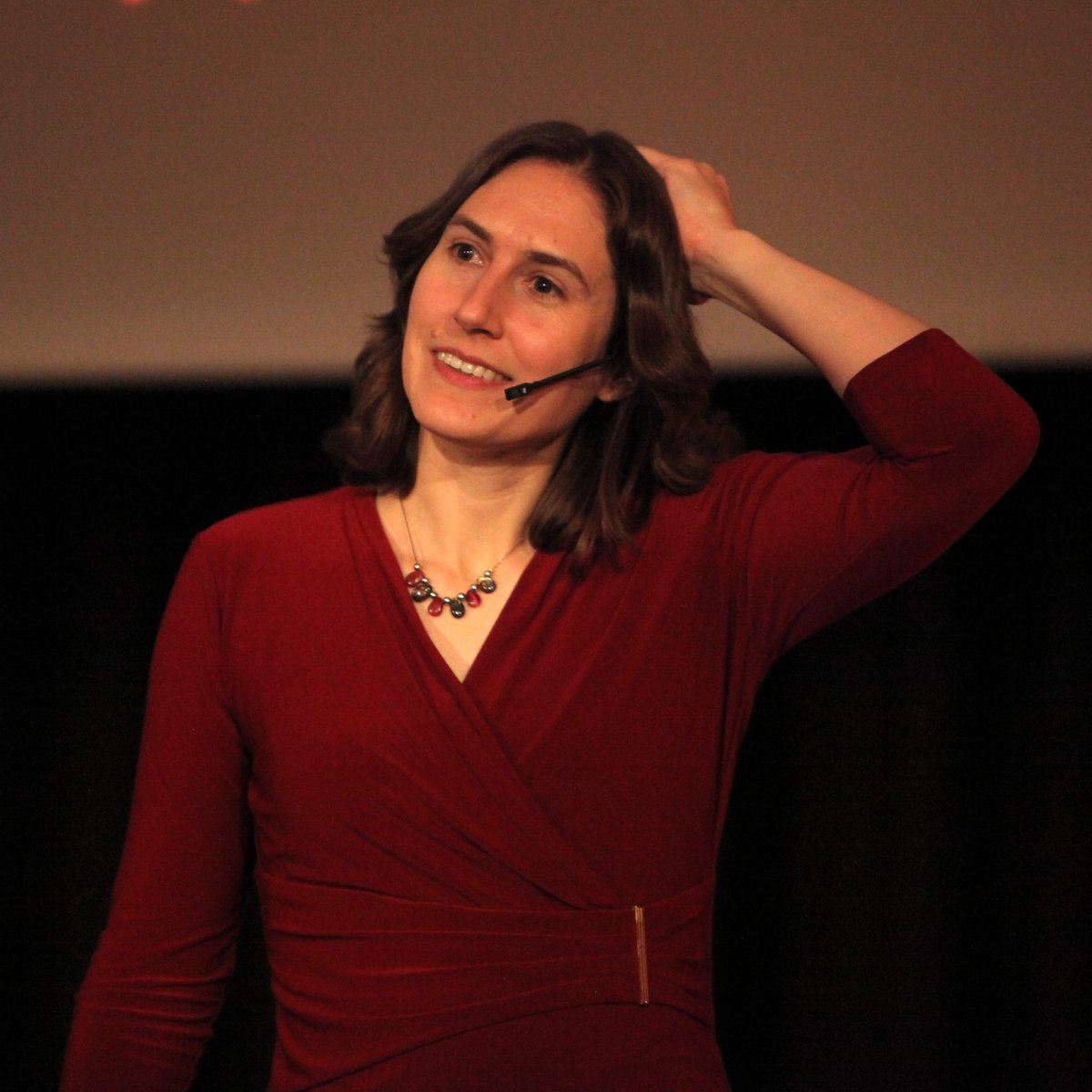Katie Mack is today's Scientist 👩🏻🔬 of the Week! She is a theoretical cosmologist who has tried to work out what might happen when the unvierse ends. ⚰️ Mack is interested in the intersection of art 🎨 and science. 🥼  #Fun #FunScience #Science #ScientistOfTheWeek #Space #Time https://t.co/D2JT1sAXPZ