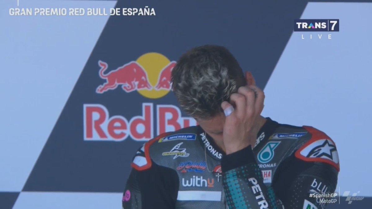 Podium! Air mata kebahagiaan @FabioQ20, definisi muda dan berbahaya! #SpanishGP  Oiya, @TRANS7GP selalu bagi-bagi hadiah lewat QR Code, jadi jangan sampai kamu lewatkan ya! https://t.co/aQqO50UFpz