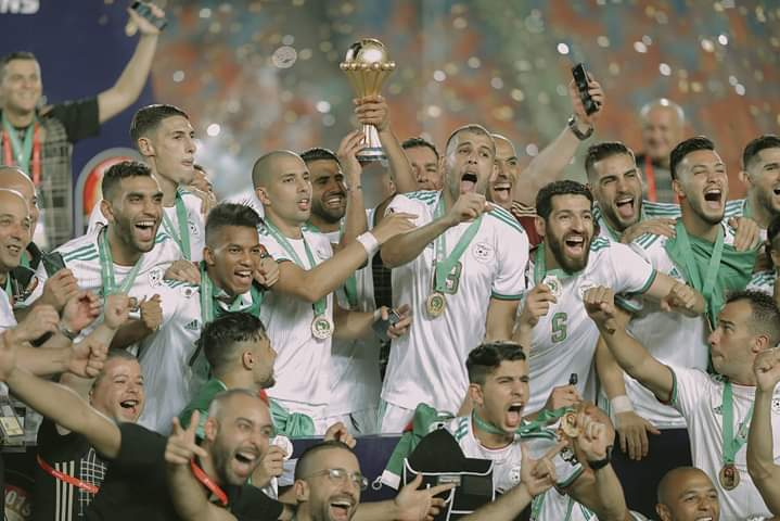 CHAMPIONS!  On a day like this last year, Algeria were crowned the champions of Africa after beating Senegal 1-0 in the #AFCON2019 final. pic.twitter.com/kfP9jglGU7