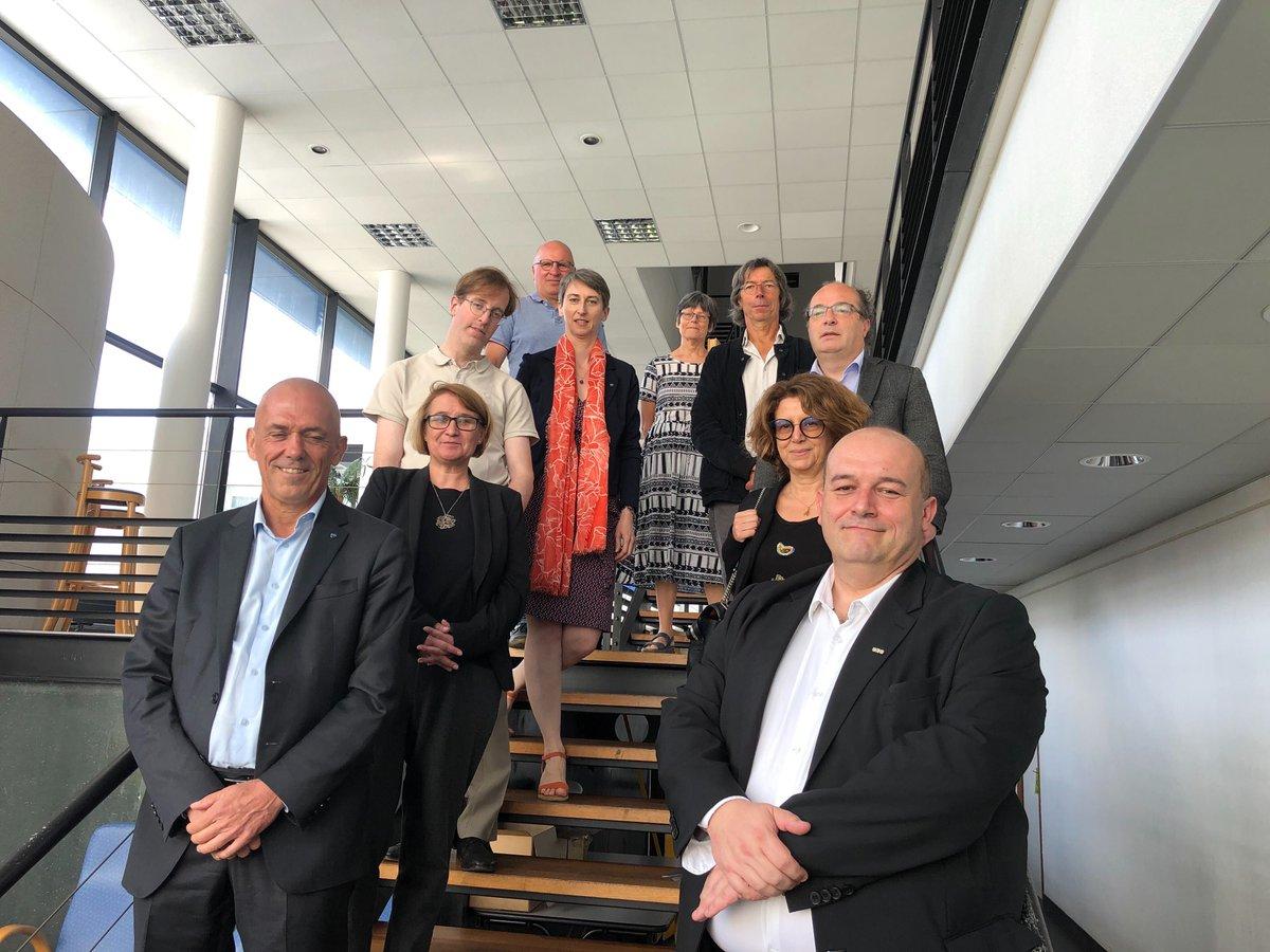 Heureux d'être à Brest aujourd'hui pour la signature de la convention avec @UBO_UnivBrest, la visite de l'Institut universitaire européen de la mer @IUEM_Brest et la rencontre avec les directeurs et directrices d'unités brestois @CNRS @INSU_CNRS @CNRS_dr17 https://t.co/VWVTImKwvw