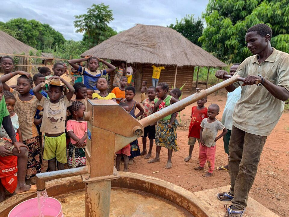 DROP4DROP have been working hard with our partners in Mozambique to provide clean water to the Ancuabe & Chiure districts. In these rural areas, water paucity remains a stark issue ‼️💧#cleanwaterforall https://t.co/bFQ4DcWzNk