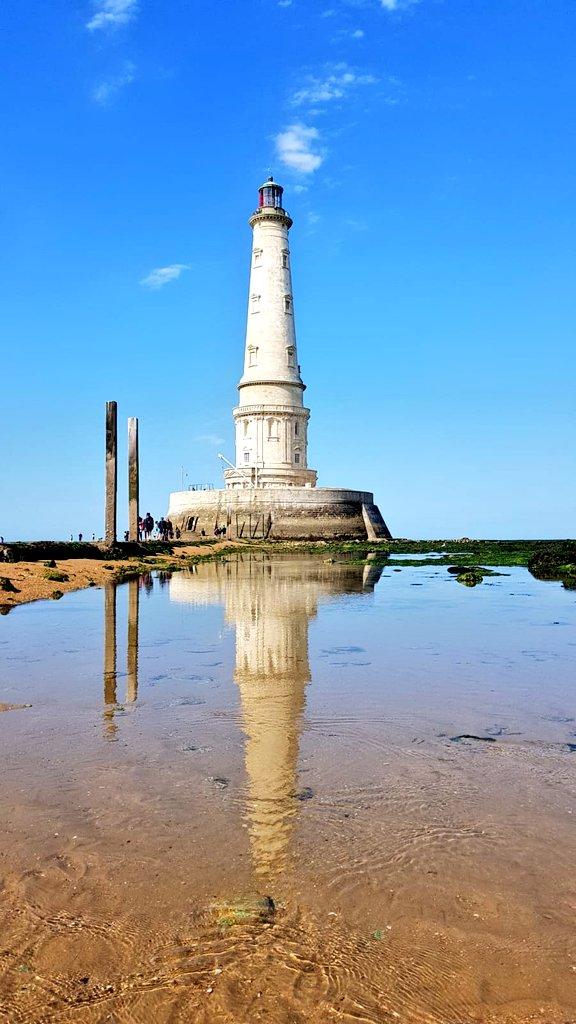 Aujourdhui, visite de THE Phare, le phare de Cordouan!!! Le seul phare au monde encore habité, avec une chambre royale et une chapelle 🤩🤩🤩 Superbe visite... #MagnifiqueFrance #phare #familytravel