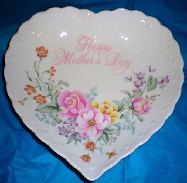 Happy #MothersDay Heart Shaped #bonechina dish by #Mikasa https://t.co/pomX5QfKPw #gift #moms #keepsake https://t.co/x2eXpbcUYg
