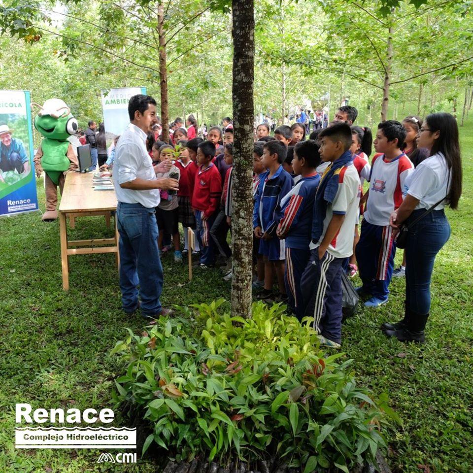 Es fundamental generar espacios, donde las nuevas generaciones aprendan la importancia del cuidado medioambiental, para construir un futuro nuevo. #RenaceAporta a esta educación verde. #CompromisoAmbiental https://t.co/9pQBsu00H8