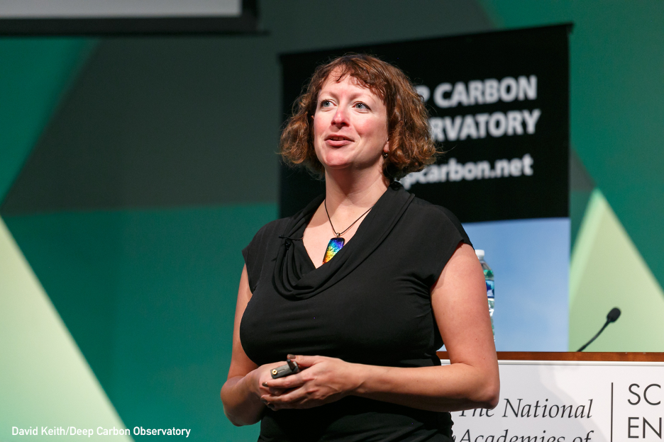 Join Dr. Beth Orcutt TOMORROW for an introduction to the vast, diverse underbelly of life deep in our oceans. Learn how it benefits humanity, and how it could be impacted by exploitation of materials in the #deepsea.  Register for this virtual #CaféSci: https://t.co/JNCMErh4HR https://t.co/j9MpYlMrvj