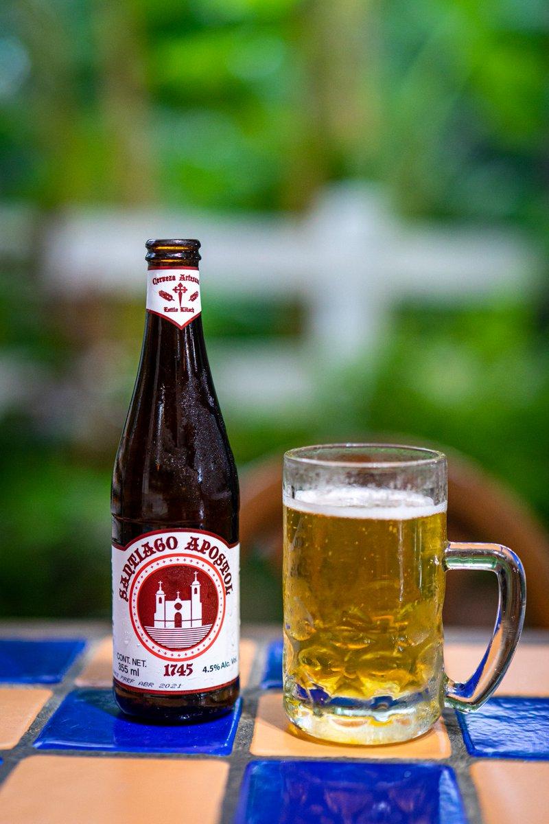 Una #cerveza #artesanal clara hecha al estilo #Kölsch con muy buena presentación en una botella de 355 ml con 4.5% Alc. Vol. Originaria de #Santiago Nuevo León. Santiago Apóstol 1745. La conseguimos en Super Roma en $39.90 https://t.co/ccqfYYpbZL