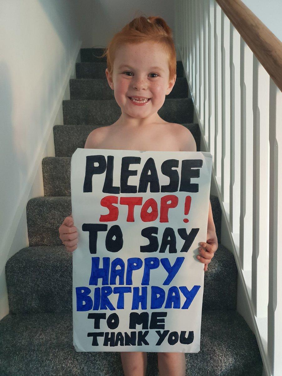 Please David if you see him at Carrington tomorrow please stop to say happy birthday it's his birthday wish @D_DeGea @Edurnity we won't come near anyone he just wants a few birthday wishes shouted to him 😊 @MarcusRashford @JesseLingard @B_Fernandes8 @DalotDiogo @ManUtd 🙏🏻🙏🏻🙏🏻😊