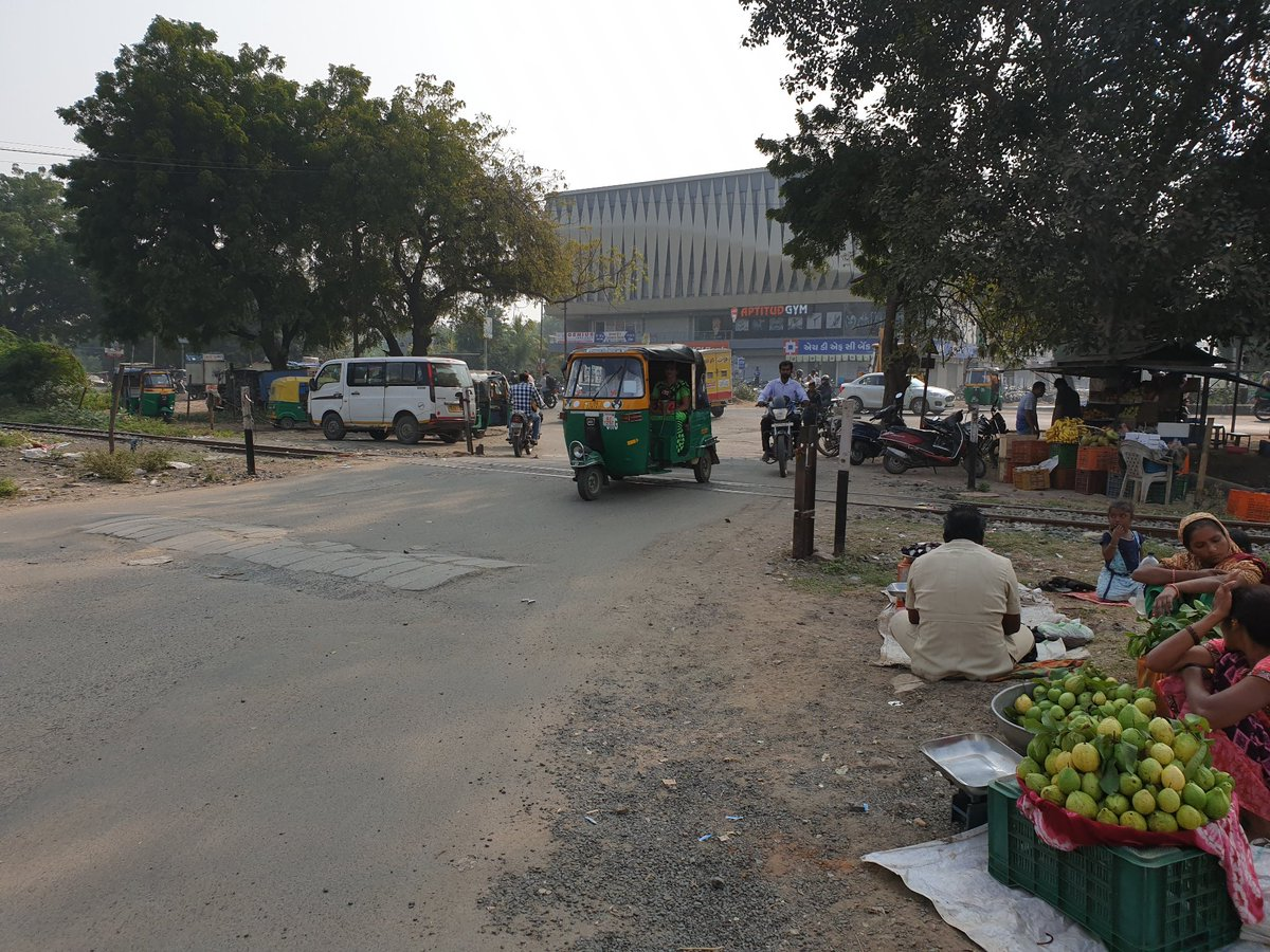 Reminder  @mpvadodara, @PiyushGoyal ,@PiyushGoyalOffc, @narendramodi, @PMOIndia, @narendramodi_in, @nitin_gadkari   Seeking your urgent attention on road, railway crossing condition on vadodara -padra raod, near Swaminarayan temple. pic.twitter.com/1Bwd1eAxoY https://twitter.com/vrajesh_asti/status/1285297985354493952?s=20…