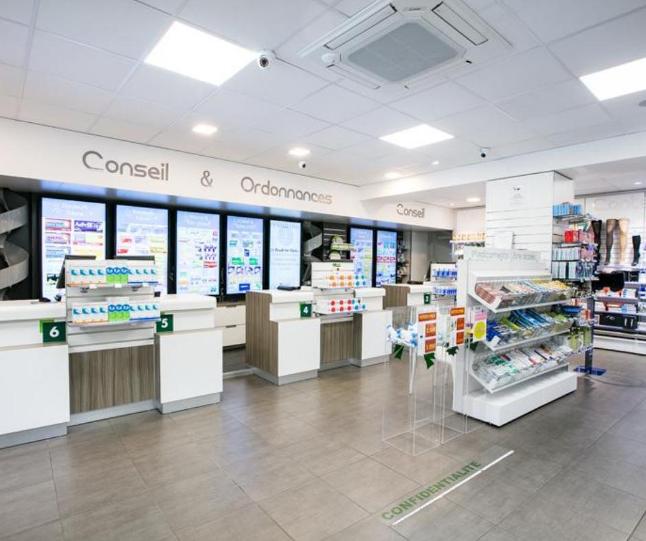 Comment gérer l'affluence en officine sans négliger la prise en charge du patient ? La @Pharmacie Vaslin accueillent jusqu'à 600 patients sereinement chaque jour en été.  ➡️ https://t.co/Ca5CVOSmP6 #saisonnalité #bdrowa #innovationforpeople #10000rowas #pharmaciequinousinspire https://t.co/iBD1wavsDX
