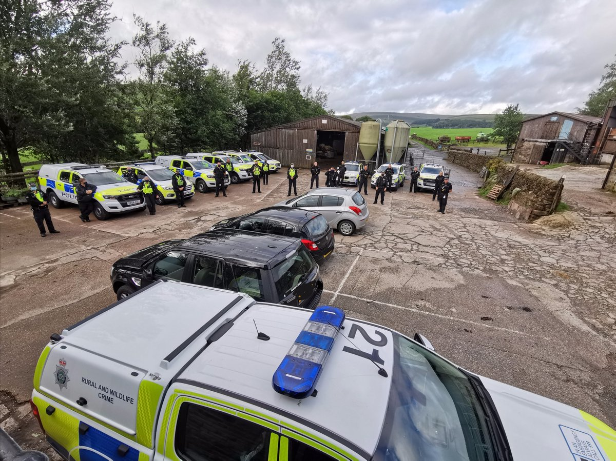 Sgt Simpson: Thank you @StaffsPolice  @MoorlandsPolice for joining us for #OpFolly.   The operation softened the entire length of the border between our counties last night and ensured we worked as one to target our shared criminality. #RuralCrime @CheshirePCC  @DarrenMartland https://t.co/NqWrC7wTCa