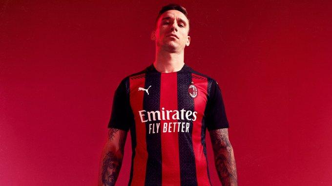 Milan AC : le nouveau maillot a été dévoilé (Officiel)