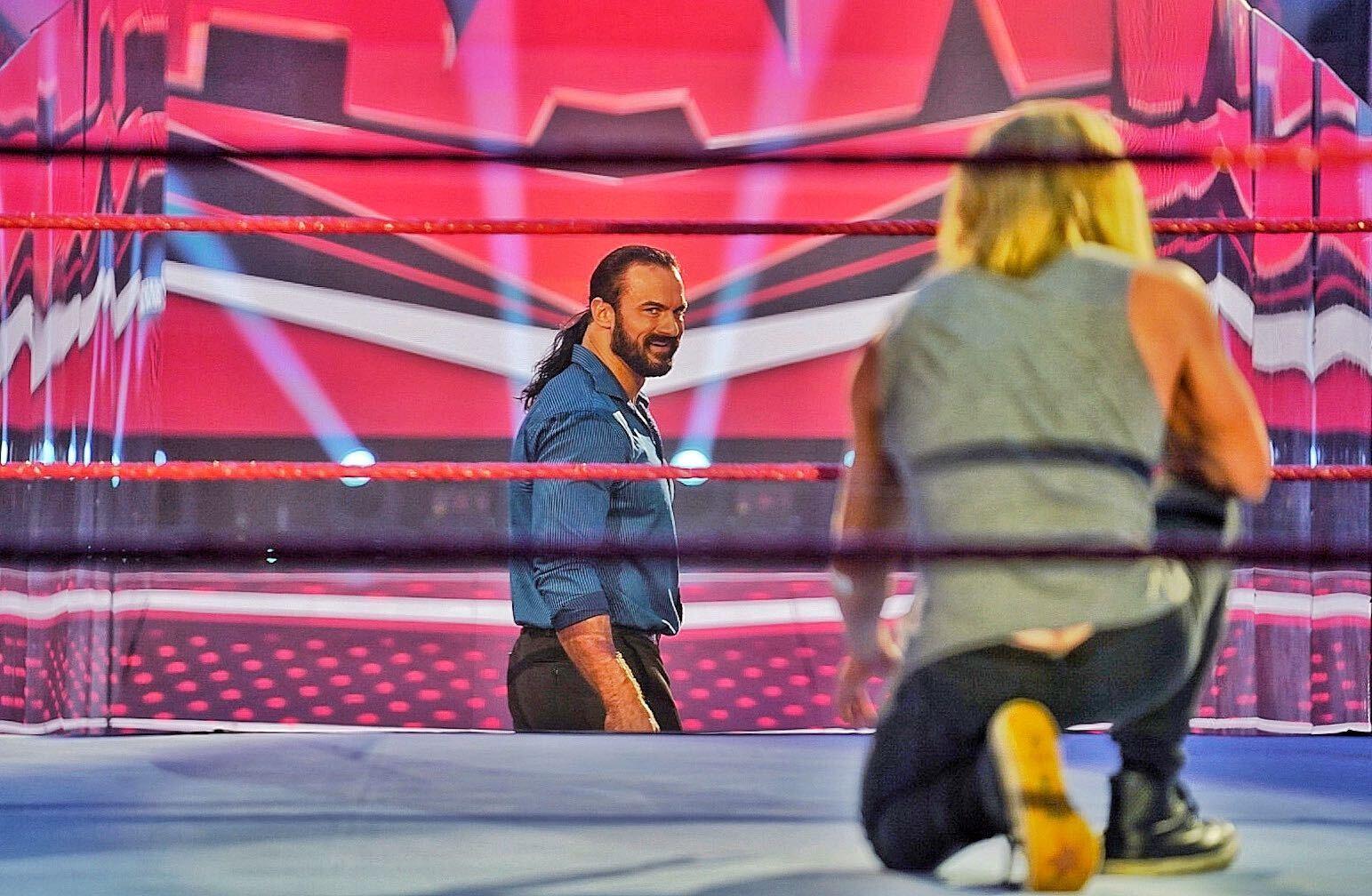 WWE Raw: Sasha Banks Vs Asuka & McIntyre Vs Ziggler Set For Next Week 2