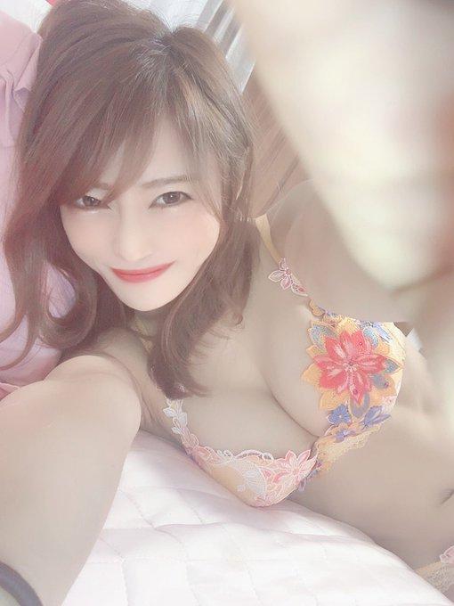 AV女優七海ひなのTwitter自撮りエロ画像12