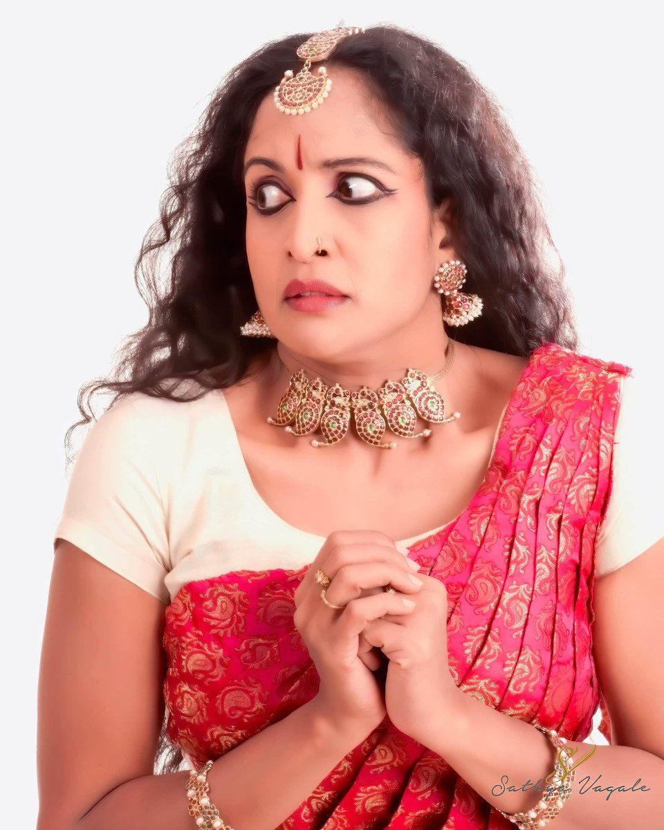 """Yamuna Srinidhi on Twitter: """"No.6 of a series of 9 Rasas Bhayanaka - Fear  #Bhayanaka is the feeling of #panic and dread brought on by the  anticipation of danger. It denotes a"""