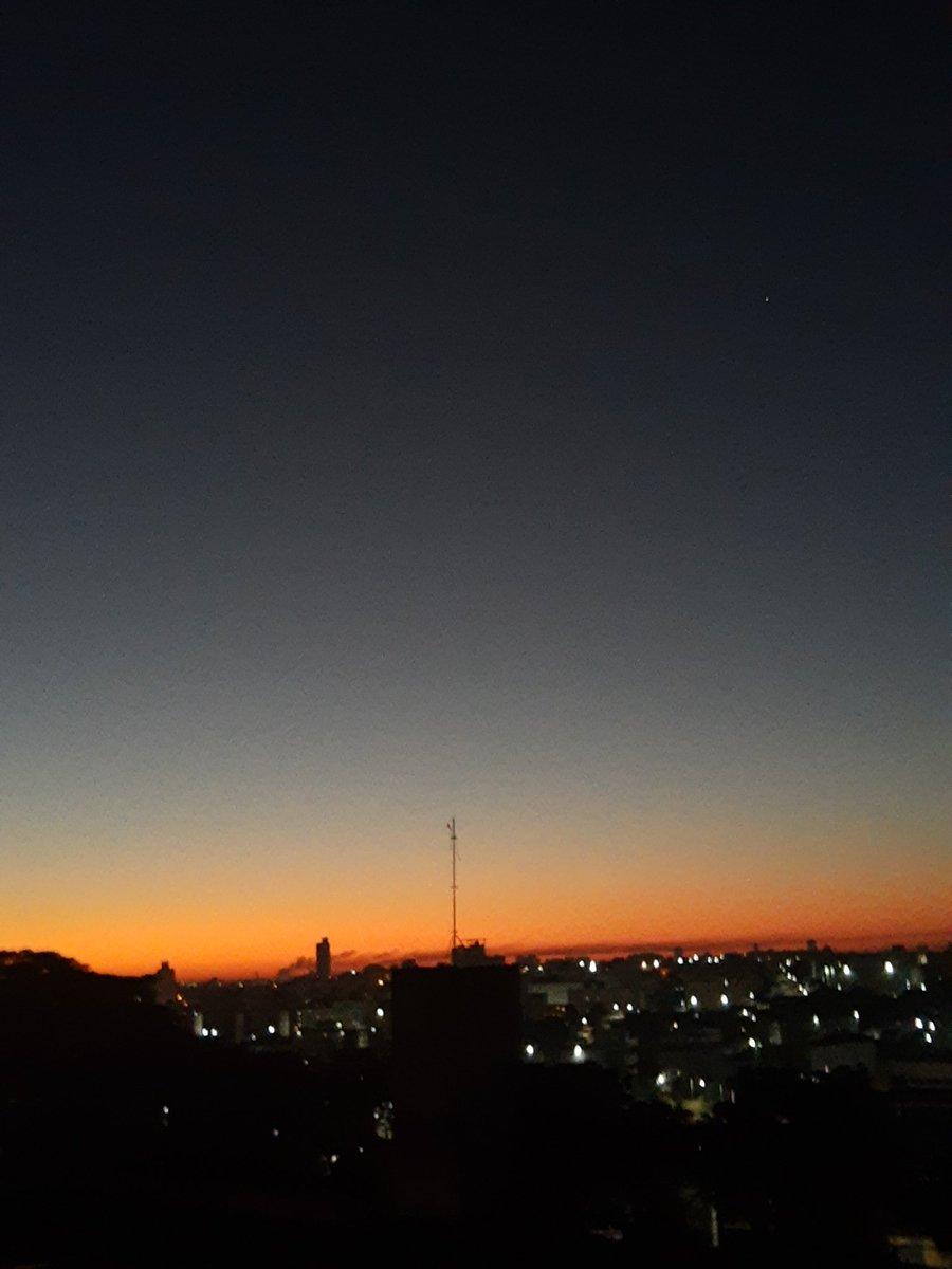 Bom dia Carapicuíba! #bomdia #BDSP #solnascendo pic.twitter.com/jwfKAfaKh9