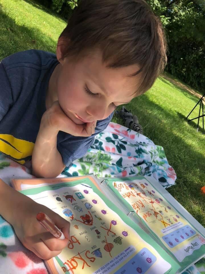 Hendricks County families seek homeschool advice.  Article link: https://t.co/lkMd6Ll26w #COVID19 #parents #homeschool #advice #inHendricks #ALLinHendricksCounty https://t.co/dICRX4Ght8