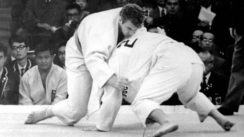 We are sad to learn of the passing of Doug Rogers, Canada's first judoka to win an Olympic medal at the first Olympic Games where judo was on the program.  Details on his #TeamCanada career: https://t.co/tHbj4Xskf3 https://t.co/trXf6xh0g7
