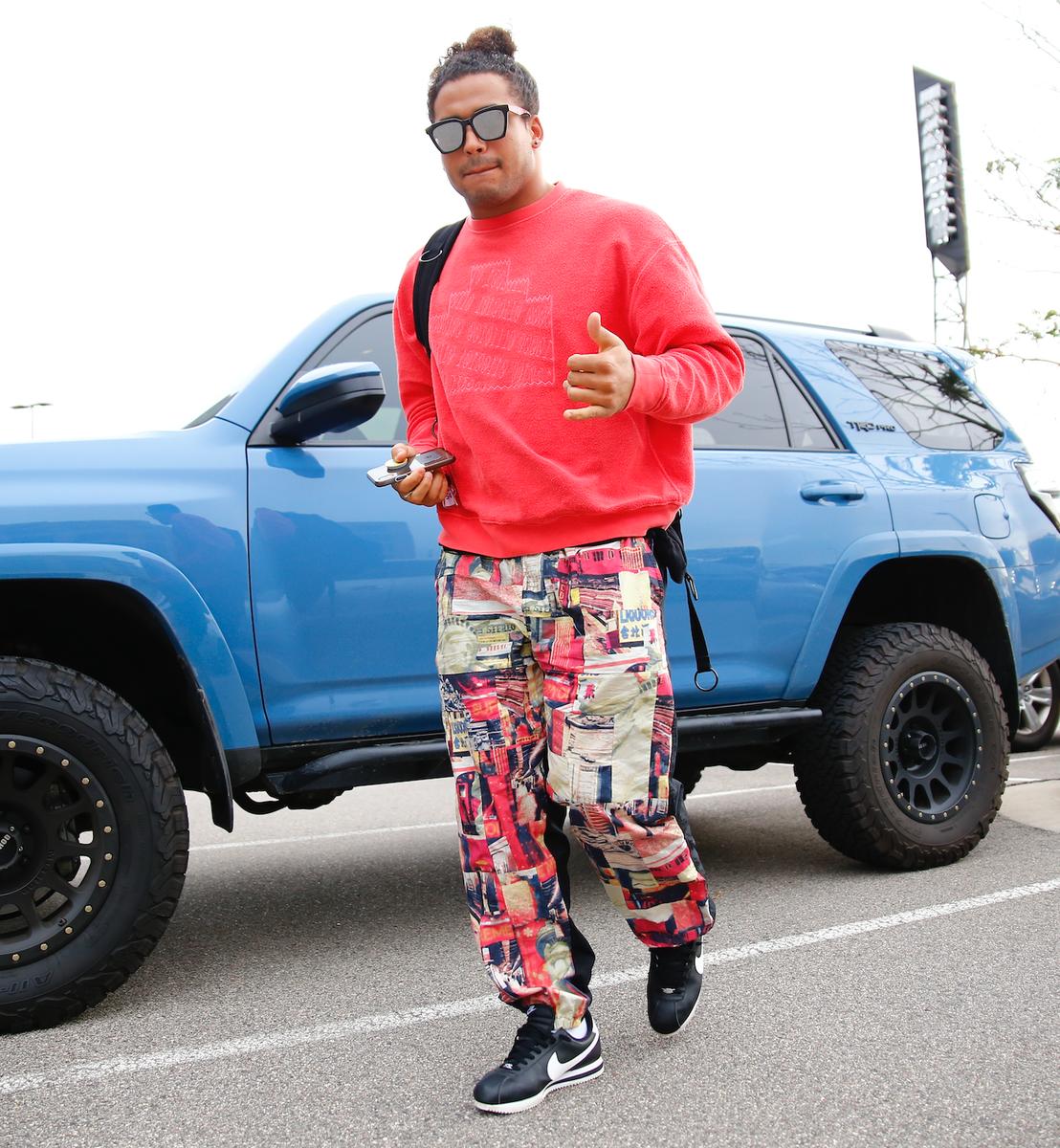 📸 Smart, leger oder Party-mäßig?  Welcher Style steht Eric Kendricks am besten? #EricKendricksWeek https://t.co/bQ7gGLbLrC