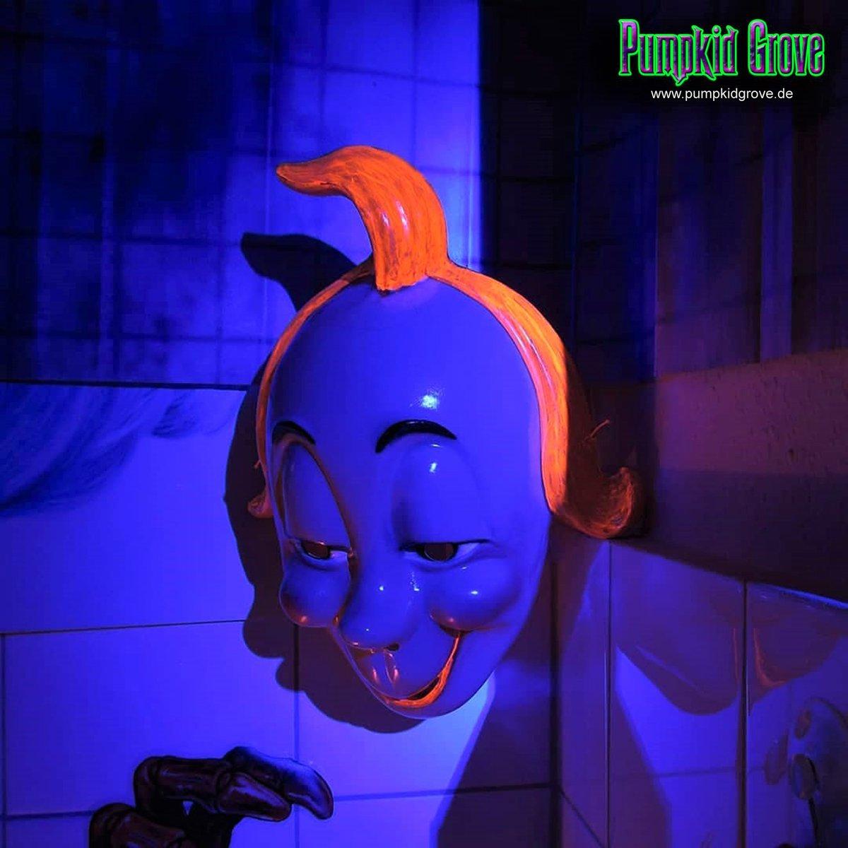 Moritz  #halloween2015 #halloween #samhain #luegburghorrorstory #moritz #ahsfx #asylum #blacklight #thepurge #maske #mask #orange #blau #blue #gruselig #haunted #horror #homehaunt #love #trickortreat #party #art #dekoration #photo #germany #pumpkidgrove #pumpkidgrovegermany https://t.co/J1qY4HWwpg