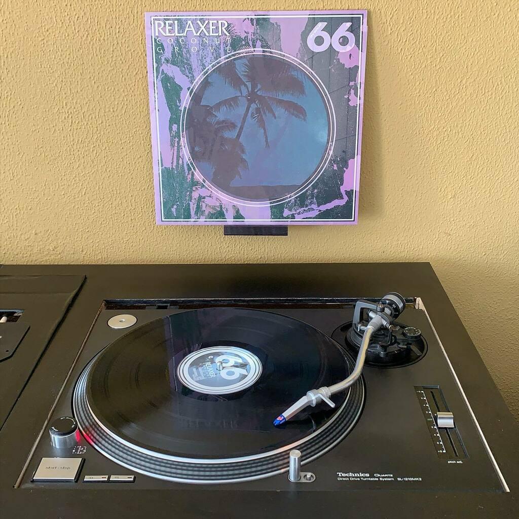 Tijd om deze schoonheid weer eens 'op de tafel' te leggen: Relaxer - Coconu Grove op  Avenue 66. #nowplaying #nowspinning #myvinylcollection #myrecordcollection #myrecordbox #myvinylroom #instavinyl #vinyljunkie #vinylcollector #vinylporn #vinyladdict #r… https://instagr.am/p/CC6cWx7pG3C/pic.twitter.com/KhJNHDcquZ