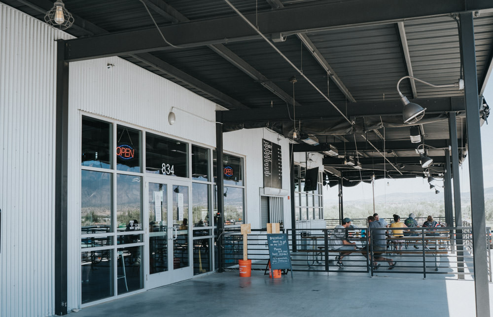 Cheers from the patio! Our amazing and hard-working team is looking forward to serving you some fresh pints and good eats soon. #abqpatio #bosquebrewing #lascruces #nmbreweries https://t.co/AZvHIePAVl