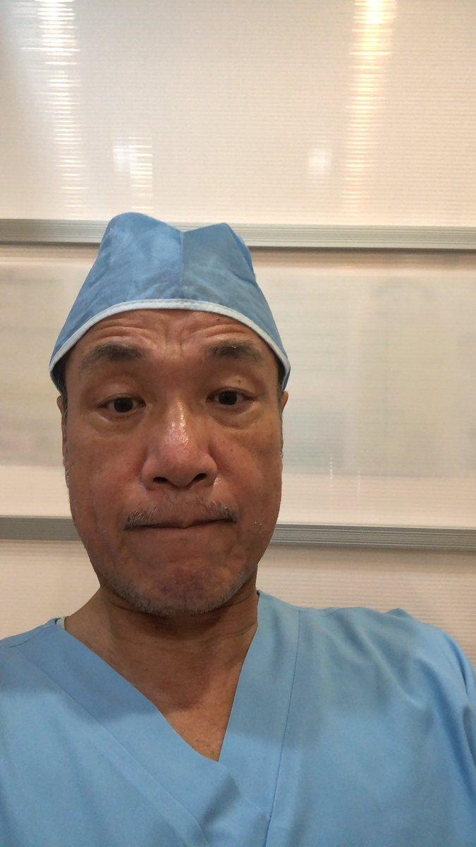 尾山台インプラントセンター梅雨の時期のインプラント、お疲れ様でした。歯を抜いてその場でインプラントの治療処置、骨再生と共に無事終了です。出来る限り快適な治療ができる為には、事前の症例検討が必要です。症例検討で治療は完了してます。#尾山台インプラントセンター