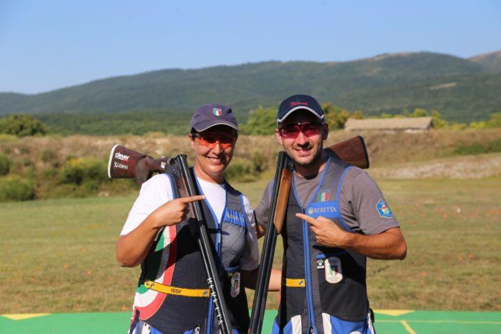 Tiro a volo, nel Mixed oro dell'umbra Diana Bacosi in coppia con Rossetti http://www.umbriadomani.it/sport/tiro-a-volo-nel-mixed-oro-dellumbra-diana-bacosi-in-coppia-con-rossetti-247996/… #DianaBacosi #GabrieleRossetti #GreenCup #MassaMartana #TiroAVolo pic.twitter.com/0NWSQOmEuc
