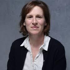 Le Centre Pompidou à Paris présentera une  rétrospective intégrale de la réalisatrice #KellyReichardt , dont son dernier film présenté au #FestivaldeDeauville 2020 au début de l'année de 23 janvier au 7 février 2021 , avec sa présence annoncée  @tbarnaud @Jouxplane83 @FredOL69007pic.twitter.com/XUZZ9DkCoE