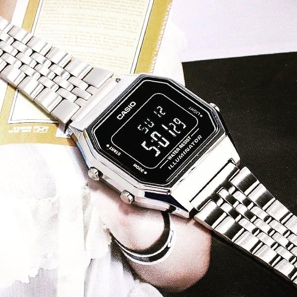 Stay classy with the #casiovintage #casioclassic #LA680WA-1BDF #ladies #watch #shopbaajoo   : #LA680WA-1BDF   Water Resistant | LED Light | 1/100 Second Stopwatch | Daily Alarm | Hourly Time Signal | Auto Calendar | 12/24 Hour Format   #ladieswatch #watches #watchofthedaypic.twitter.com/1Z0ciCLL38