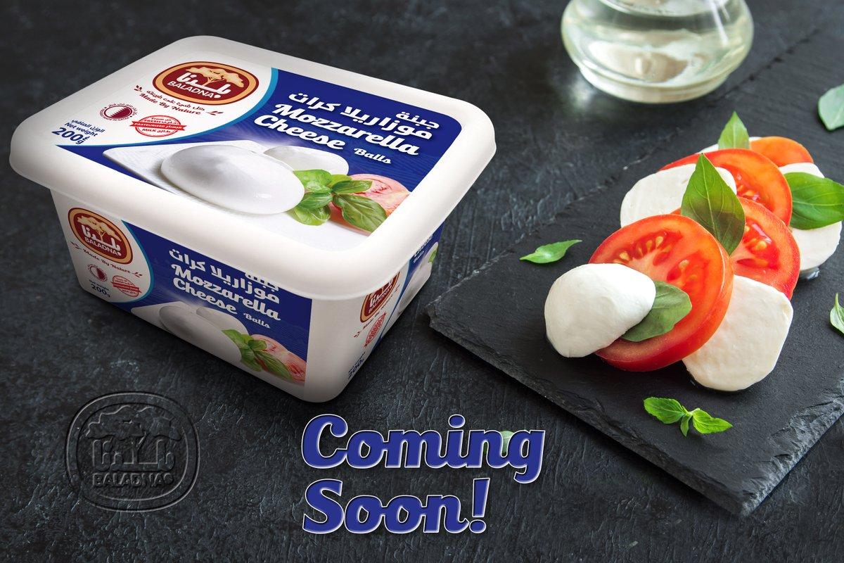 مفاجأة! كرات الموزاريلا الكبيرة من بلدنــا قريباً في الأسواق. علّقوا في الأسفل الآن بوصفاتكم المفضلة. Surprise! Baladna Mozzarella Big Balls Coming Soon. Comment below with your favorite recipe recommendations. #Baladna #Qatar #Mozzarella #Cheese #Pizza #Pasta #بلدنا #قطر https://t.co/3lPbAOGGga