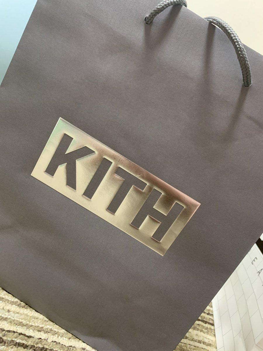 KITH x AIR FORCE 1 サイズ26.5cm 値段dm下さい 85000円即決 希望の方レシートつけます #af1 #kith #kithtokyo  #kithaf1  #エアーフォース #エアーフォース1 https://t.co/jzuCEcLmHD