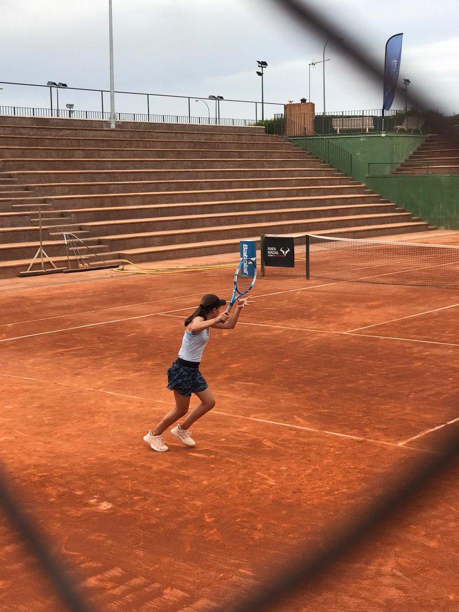 Eugenia Menendez Zozaya esta jugando la prueba del Circuito #rafanadaltour que se esta disputando en Madrid en el Club Internacional de Tenis de Majadahonda, pasando a tercer ronda  #rcto #tenisoviedo https://t.co/14qiQWTM5B