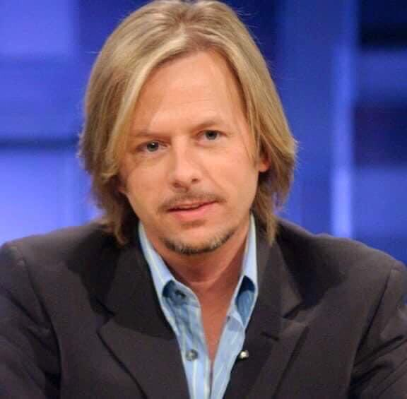 Happy birthday to the comedian actor that makes me laugh, David Spade :)