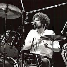 Happy birthday Don Henley, it\s k Drive with until 7...