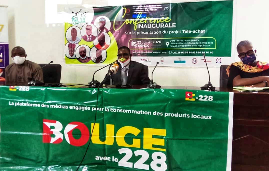 """Promotion du """"Made in Togo"""" : la DG du FAIEJ au lancement du projet """"Télé Achat""""  https://t.co/ZUGjGf4s9p  #FAIEJ #MadeInTogo #TéléAchat #BougeAvecLe228 https://t.co/Ep0aearXrr"""