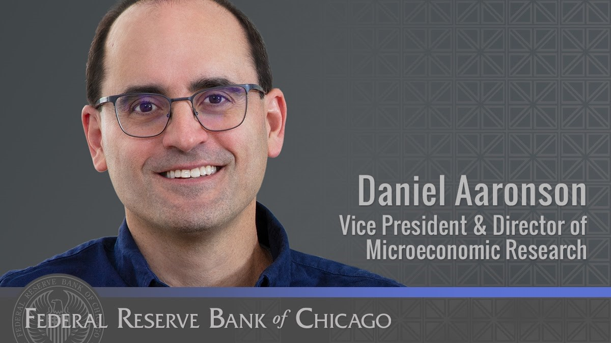 #FedFiles: Vice president Dan Aaronson leads our microeconomics research team. Much of Dan's work has focused on #labor issues, including women and the labor market and job losses due to automation. Read Dan's latest articles and papers: https://t.co/fcaMMzmd6f https://t.co/aoIaoMRtpA