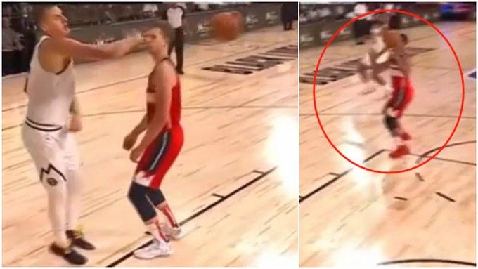 【影片】笑噴了!Jokic不看人傳球,直中對手面部,卻意外助攻對方上籃!