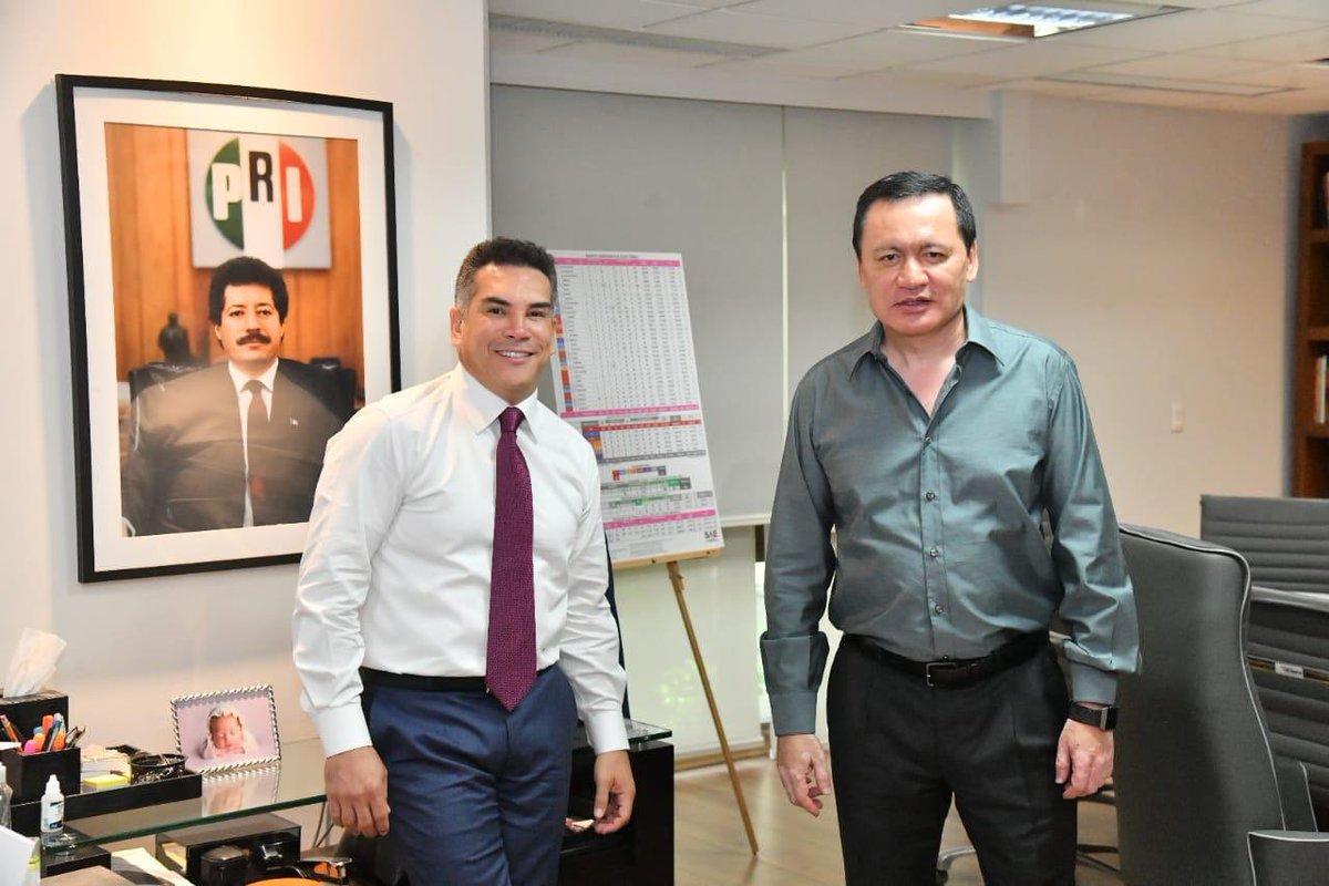 """Alejandro Moreno sur Twitter : """"Una muy productiva conversación con nuestro  Coordinador, el Senador @OsorioChong, para continuar trabajando por el  partido y por México. 🇲🇽… https://t.co/KmTQRVI5lV"""""""
