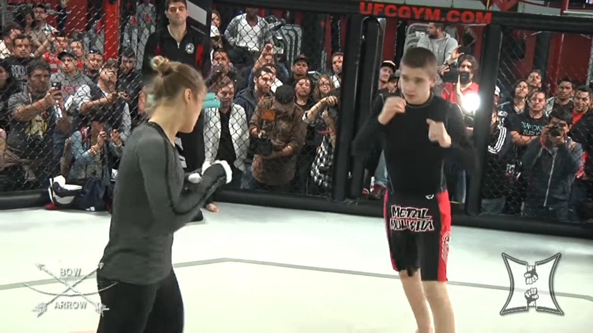 Look at that, @RondaRousey mentioned in the video @edmenshahbazyan was one of her open workout partners for the Carmouche fight!  📷: @KarynBryant https://t.co/OGdfEj0r7Z https://t.co/SR659yWP5Y