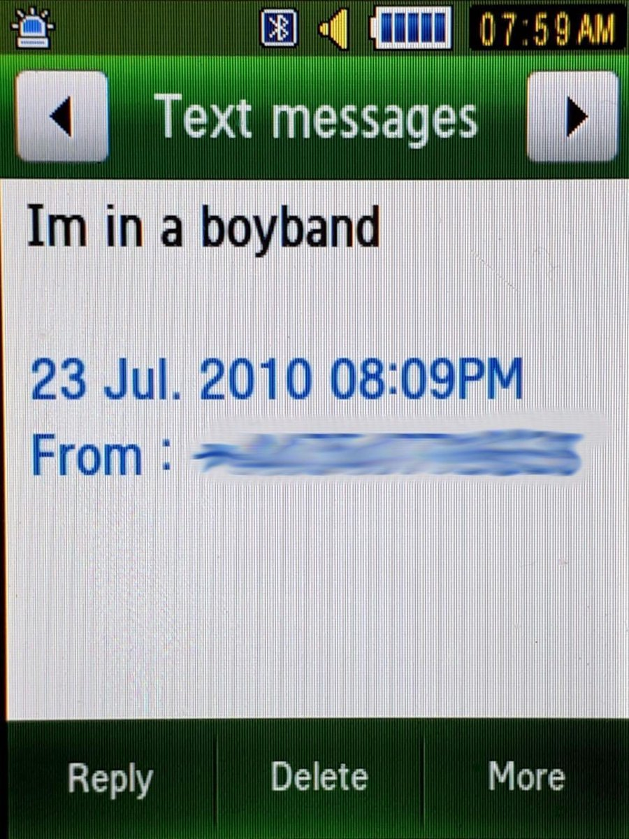 What a journey… I had no idea what we were in for when I sent this text to my Dad ten years ago at this exact time the band was formed. Thanks to everyone that's supported us over the years and thanks to the boys for sharing this with me #10YearsOfOneDirection https://t.co/0d17ggB66x