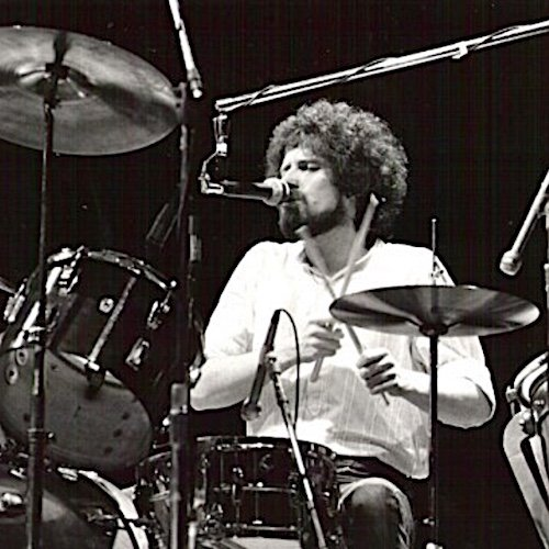 Happy 73rd birthday to my favorite singer/songwriter/drummer of all time, Don Henley!