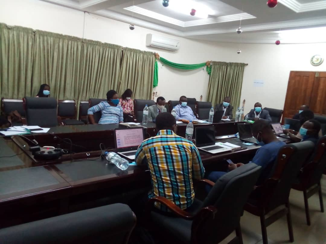"""Le FAIEJ prend part depuis ce matin, à titre consultatif, a la réunion du comité de pilotage du projet""""emploi décent pour les personnes handicapées au Togo"""" mis en œuvre par la @FETAPH. #faiejtogo #EnsembleGagnonsLePariDeVoteeDevenir https://t.co/3wP6LA33nk"""