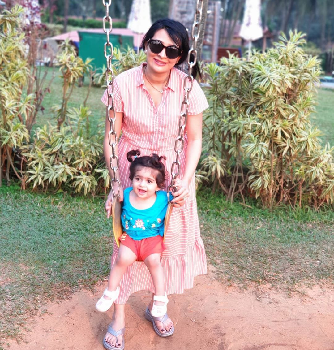 So.. i miss the ocean, I miss taking my babies out to the park to play, I miss catching up with my friends.. and so much more!  Yet we need to be safe and responsible so we could do all of this after life gets back to normal  What are u guys missing?  #radhikapandit #nimmaRP pic.twitter.com/UXDKWQtiZt