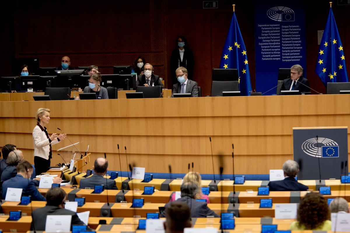 La Commission s'est proposée pour faire une proposition européenne. La seule proposition possible pour éviter les réflexes et les erreurs du passé. Une proposition européenne pour une relance européenne. #EPlenary