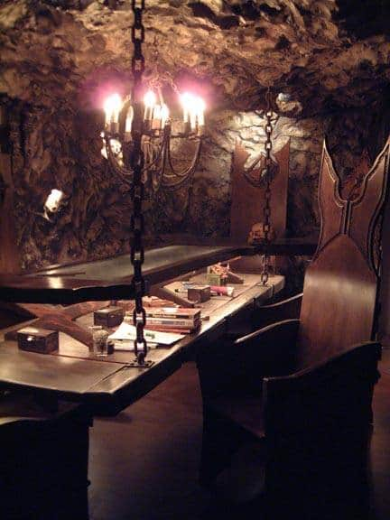 Here's a picture of my friends basement where I DM'd for 2yrs. An awesome room! Helped him make the cave walls. Chains are welded so the table doesn't move about. 👍 https://t.co/Q5u6Mg8Hjr
