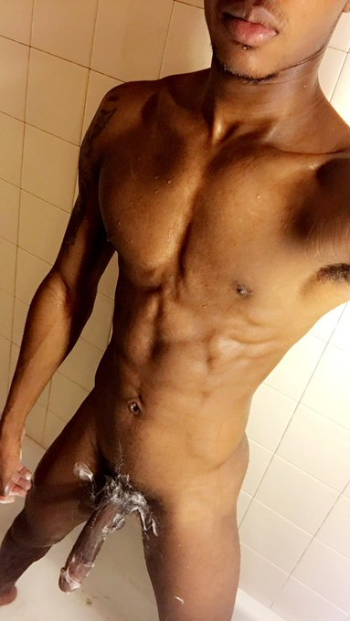 3 pic. Are my nudes good enough?? 🤔 https://t.co/W6se7TdOzM
