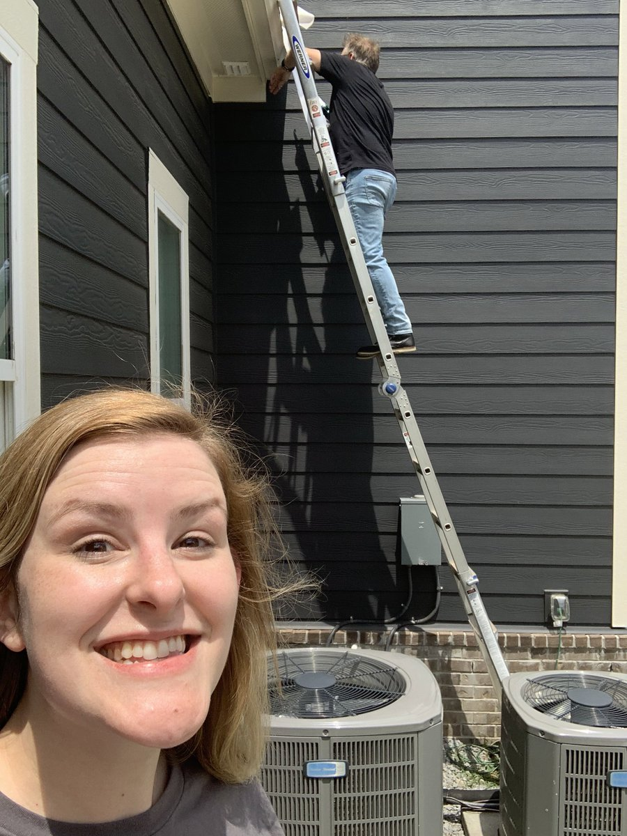 RT https://t.co/AZNXByTZD2 Wally came to fix my gutter today! It's easy to social distance when your friend brings a ladder. - Bekah #skinnyjeanstotherescue #flextape #handyman #coronavirus https://t.co/GCeDG80Y91