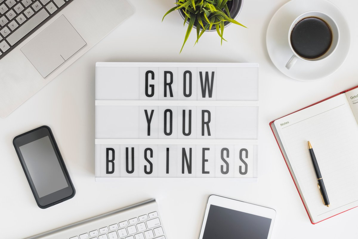 Being an #entrepreneur means you're constantly reinventing yourself to stay ahead of trends. #Business #AdministrativeAssistance #freelancing #Mondaythoughtspic.twitter.com/BbqdrBuDwU