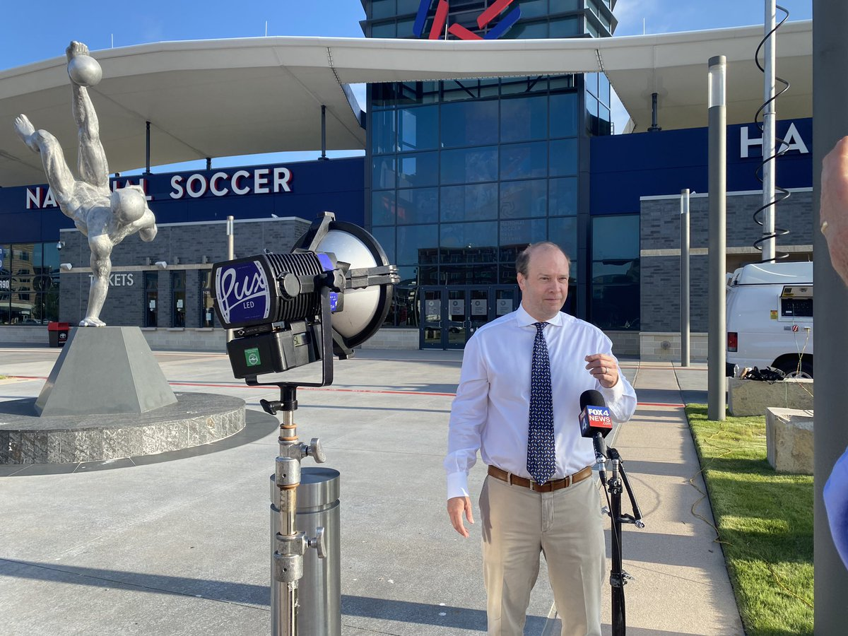 BTS🎥 @ToyotaStadiumTX w/ @DanHuntFCD for an update on bringing the World Cup to Dallas in 2026! #DallasBigWins #Dallas2026 @FCDallas @dallas_sports @TheGinaMiller ⚽️👏 @GoodDayFox4 @DanGodwinFOX4 https://t.co/8Gq5agVhC4